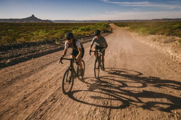 Gravel cykler med kvinder