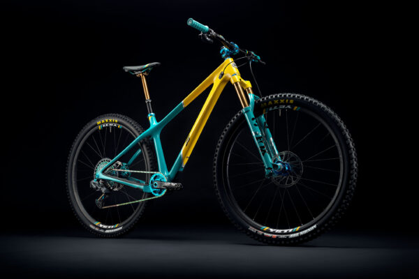 YetiCycles_ARC_35th_Anniversary_Dark_hos_Trail_Surfers
